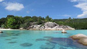 Best Liveaboard Destinations for the Family